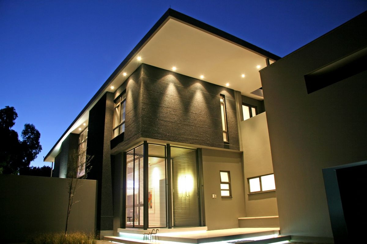 Leading lighting designers leading lighting design for Wall design outside house